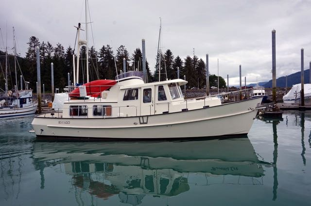 2000 40' Transpac Eagle 40, 225 HP Perkins-Sabre, Furnace, Flybridge, Beautiful Vessel. $239,500