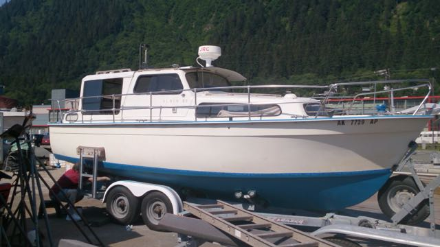 New 25' Albin, 20 HP Diesel, Oil Heat, Full Galley, Trailer. Lots of boat for the $.